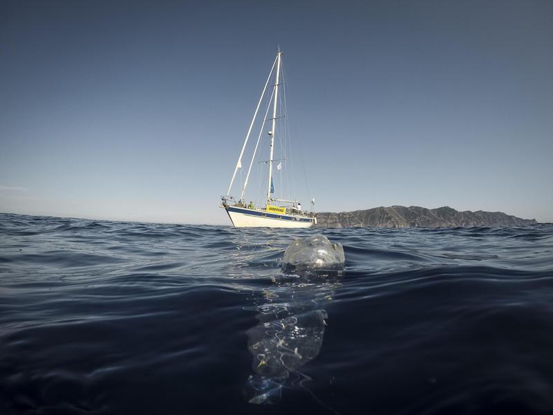 Tyrrhenian Sea Plastic Tour - Capraia Island, Corsica Mayday Tour Plastica - Isola di Capraia e Corsica